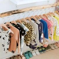 Cómo ordenar un armario de ropa infantil para comprar menos y mejor